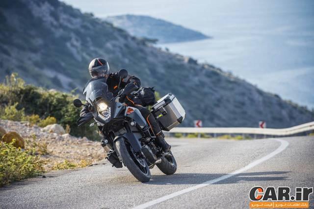 بررسی موتورسیکلت کی تی ام ادونچر 1050