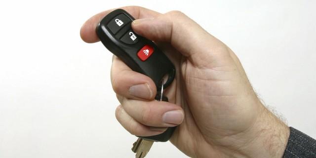 باز کردن در خودروها و گاراژ توسط ریموت 30 دلاری