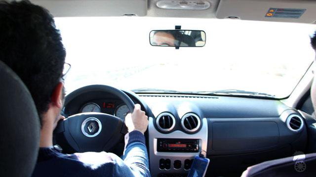 تجربه 500 کیلومتر رانندگی با ساندرو