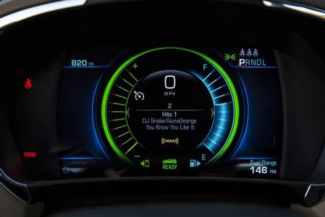 نخستین تست شورولت ولت هیبرید مدل 2016