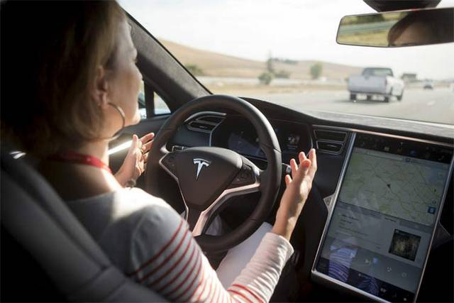 فناوریهای برتر خودرویی سال 2015