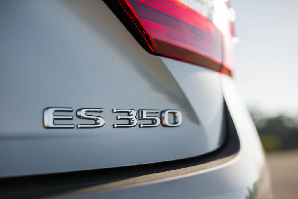 بررسی لکسس ES350 مدل 2016