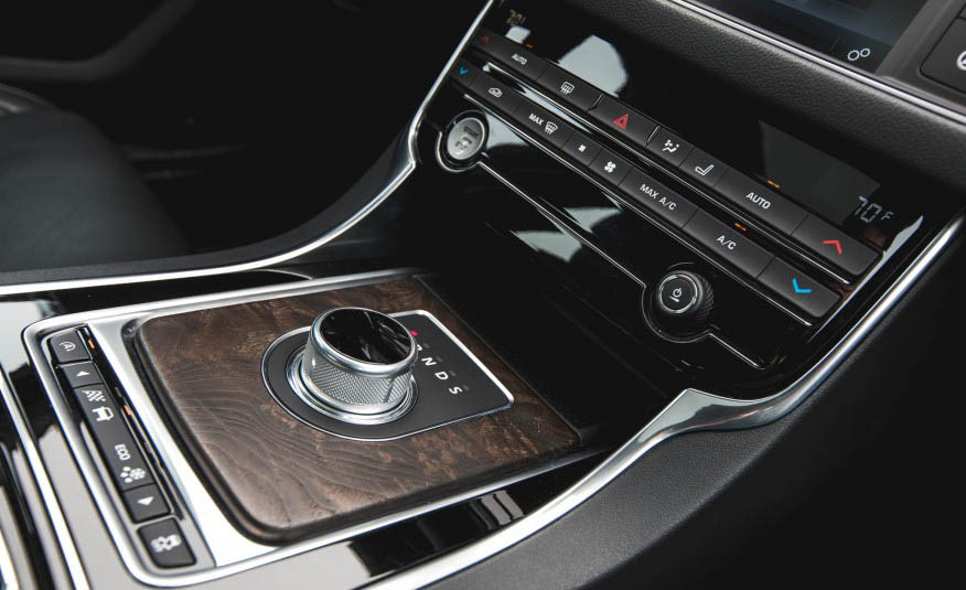 بررسی جگوار XF 35t-R مدل 2016
