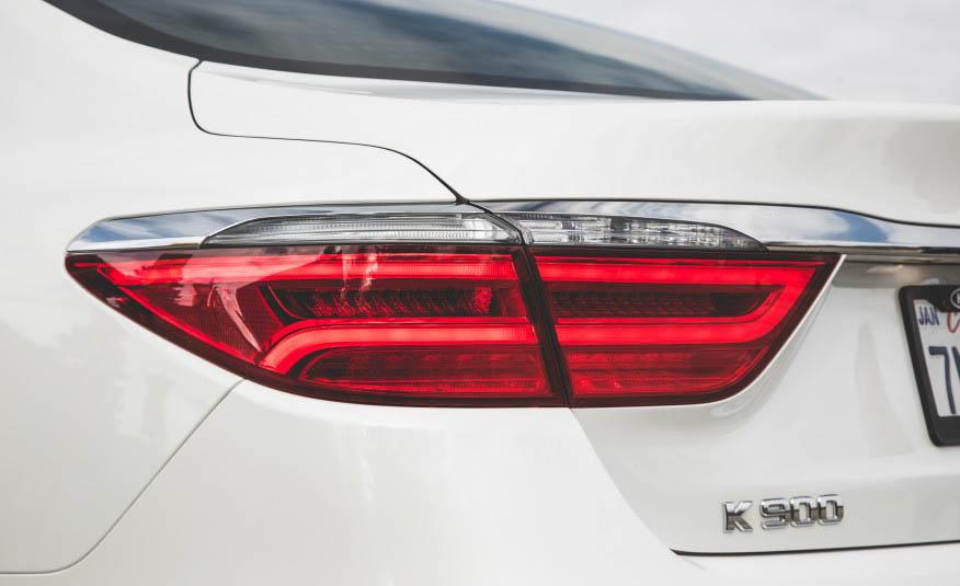 بررسی کیا K900 با موتور V6
